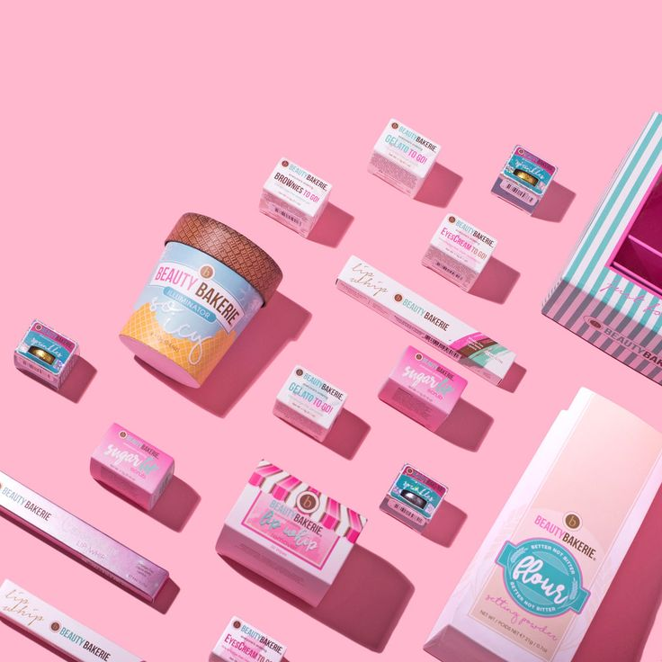 Playful photo arrangements by Violet Tinder Studio are ode to colours and playful. Let it be a bunch of beauty products or some of our daily meals, studio's aesthetic is very cohesive. The aim is b