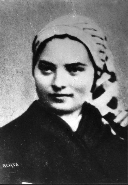 Bernadette Soubirous, 34.