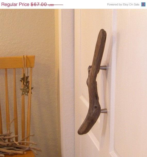 driftwood door or cabinet handles!! such a cute idea!