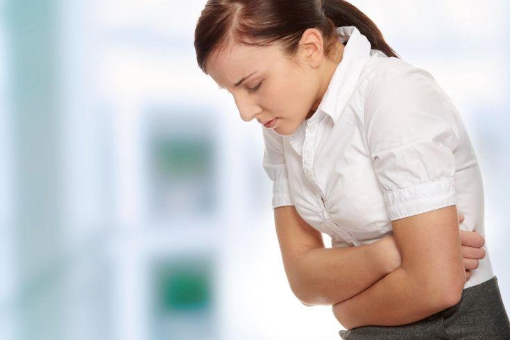 Il reflusso gastroesofageo, o reflusso acido, è un disturbo molto comune, spesso sottovalutato. I sintomi sono: bruciore allo stomaco, acidità e rigurgiti. Ecco come alleviarlo, utilizzando dei rimedi naturali. Quando mangiamo, l'esofago riesce a far procedere il cibo deglutito verso il basso. Il passaggio è regolato dallo sfintere esofageo inferiore, una valvola che si apre …
