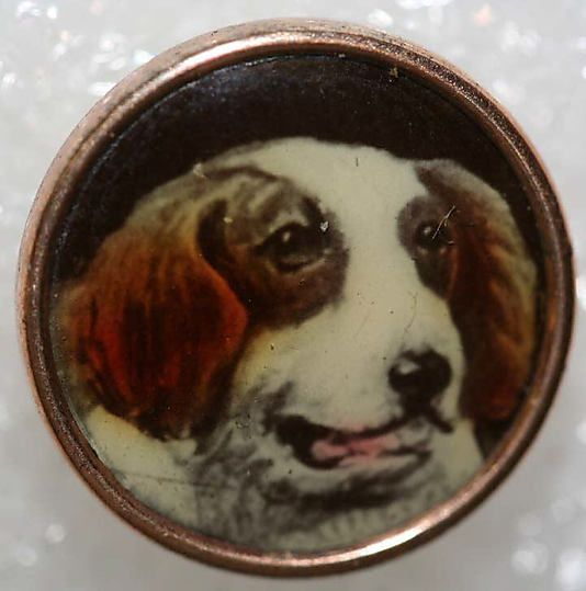 ¤ 1900 British waistcoat porcelain button with dog From the Hanna S. Kohn Collection, 1951