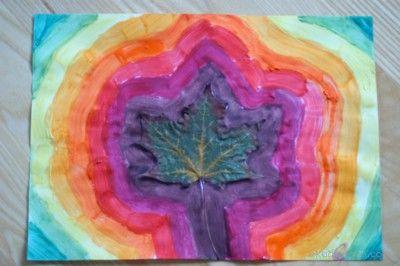 jesienne liście malowanie farbami painting with autumn leaves