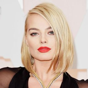 Oscars 2015 Best Looks - Margot Robbie - Blonde Bob http://hairello.com/blog/best-looks-from-the-oscars-2015/