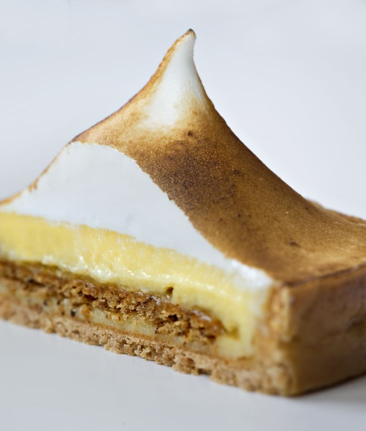 Tarte au citron from La Pâtisserie des Rêves in Paris - absolute artistry!