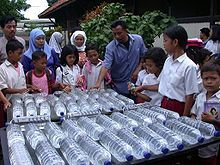 The simplest cheapest method to purify water!  Ingenius, you use a simple water bottle and the sun
