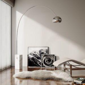 Lampada da terra Flos. Base di marmo di Carrara