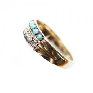 Caitlin Mociun ring.