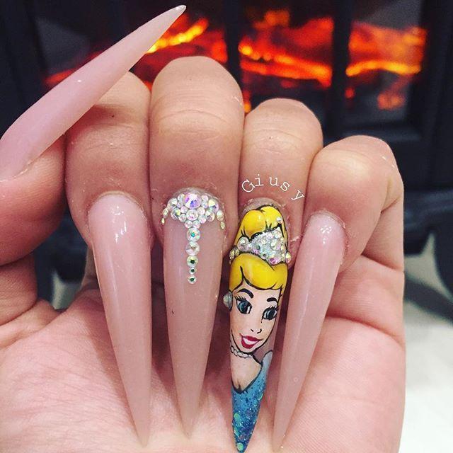 31 Cinderella Nails > CherryCherryBeauty.com