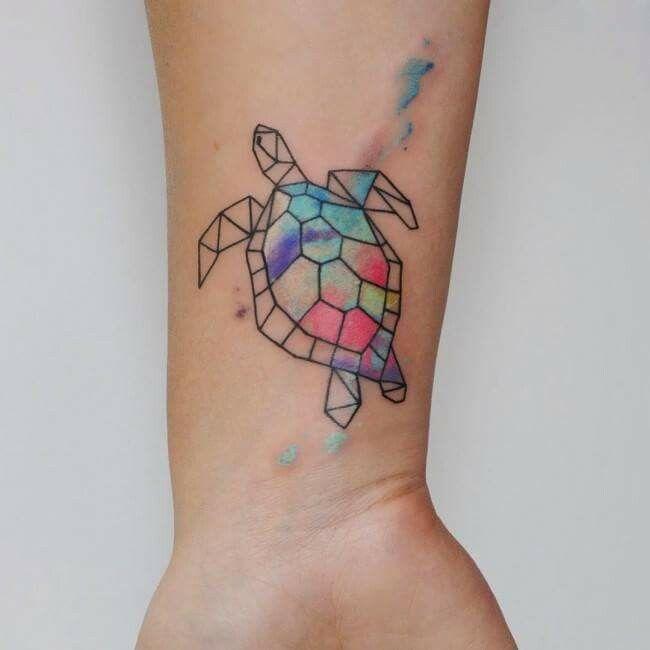 Tatuagem tartaruga aquarela