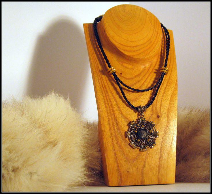 Horsehair necklace de la boutique MPierArtEquin sur Etsy