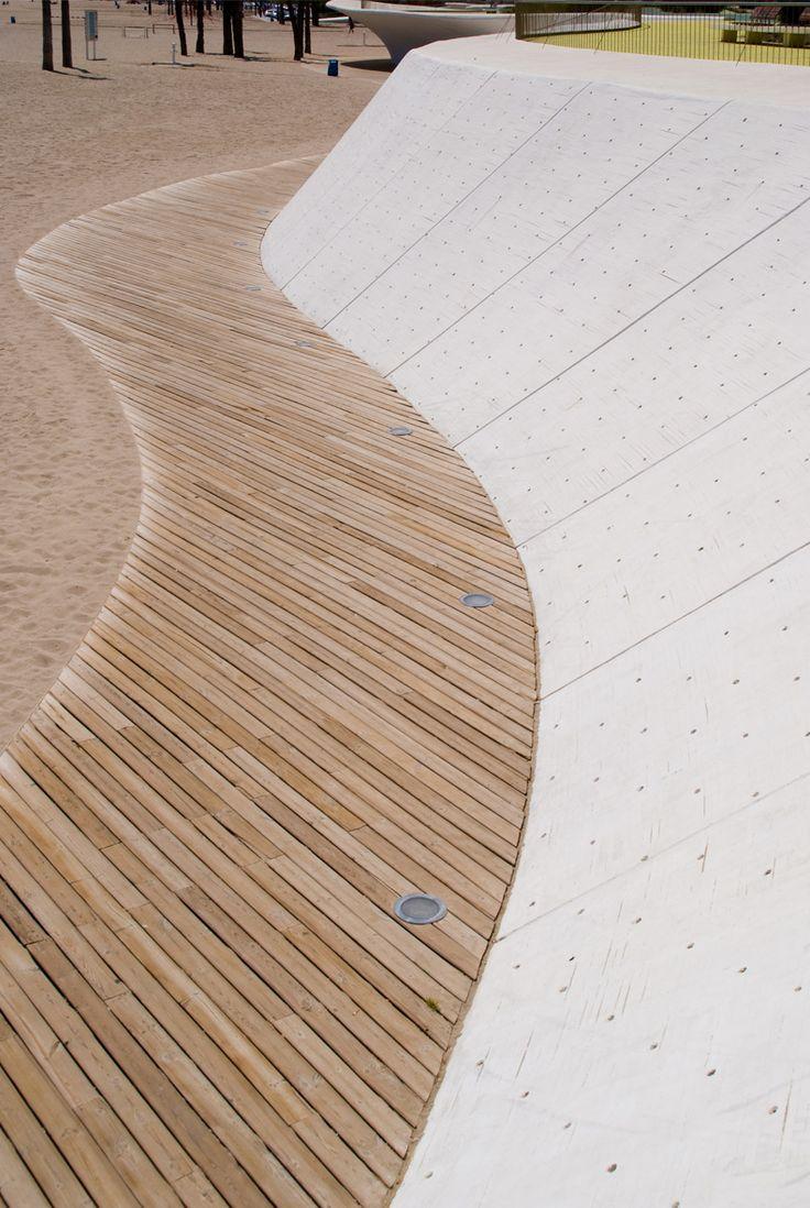 http://fernandocarrasco.net/gallery/0047-Paseo-Maritimo-Playa-Poniente-Benidorm-Carlos-Ferrater-OAB/G0000bkFINFw8y70 Paseo marítimo de la Playa de Poniente en Benidorm ARQUITECTOS/ARCHITECTS: Carlos Ferrater y Xavier Martí Galí. OAB.  LOCALIZACIÓN/LOCATION:Benidorm, Alicante.
