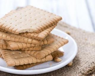 Biscuit type petit-beurre sans matières grasses : http://www.fourchette-et-bikini.fr/recettes/recettes-minceur/biscuit-type-petit-beurre-sans-matieres-grasses.html