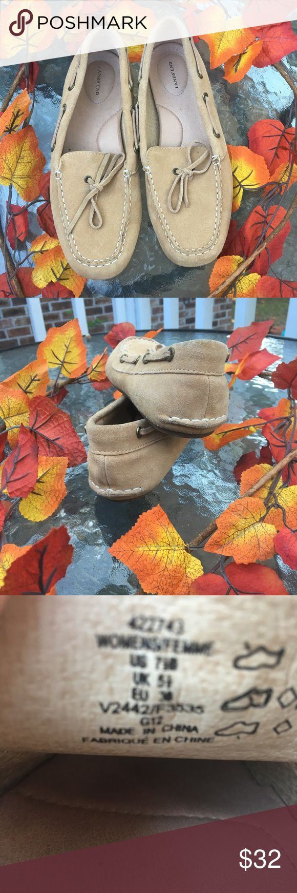 🍁🍂LANDS END LOAFERS size 7 1/2 EUC🍁🍂 🌻Quality,Durability, & a Classic...Lands End Loafers. Worn with an insole to keep footbed clean. EUC🌻 Lands' End Shoes Flats & Loafers