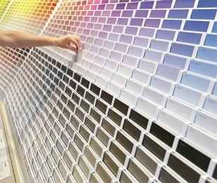Kleurenstaal is een indicatie kleuren kiezen is een kwestie van goed kijken voelen en durven - Kleuren muur toilet ...