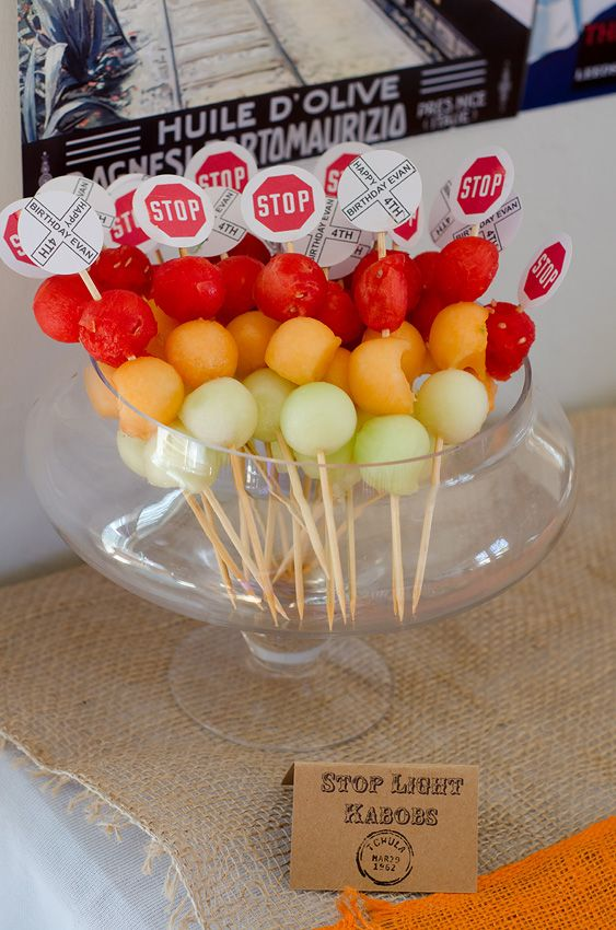 Stop Light kabobs. Perfect for tons of kids party themes. Do a green grape for the borrom