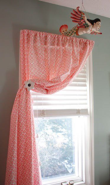 I spotted this lovely application using simple twin flat sheets at a client's home recently. Only one simple step was required to turn these Garnet Hill clearance sheets into sweet curtains.