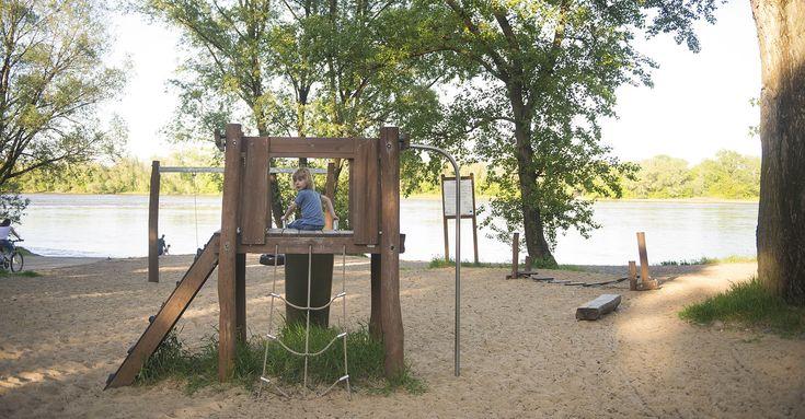 Plac zabaw na plaży nad Wisłą (Żoliborz)