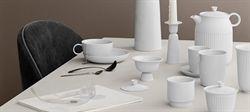 Design Lyngby Porcelæn  Enkle og smukke krus med hank fra serien Rhombe.  Klassisk i den hvide porcelæn
