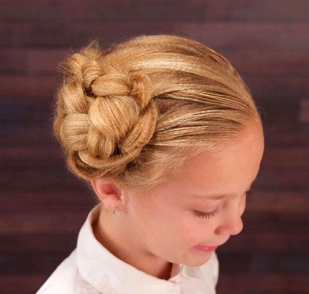 Фотографии детских причесок на выпускной для девочки