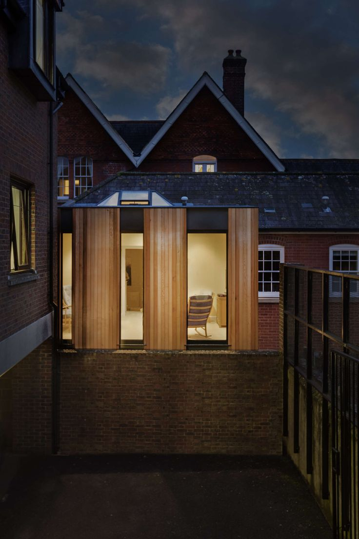Austen House was a recently converted dwelling situated on the Old St. Swithun's school site. The clients love the location but desperately wanted a south fa...