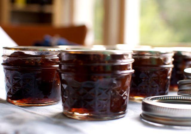 Marmellata di Fichi LEGGI LA RICETTA > http://www.dolciricette.org/2013/08/marmellata-di-fichi-ricetta.html