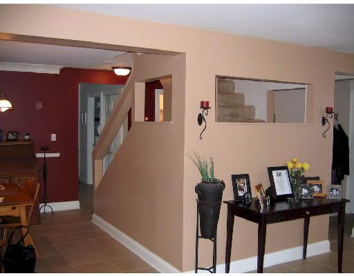 Benjamin Moore Classic Burgundy Dining Room Accent Wall