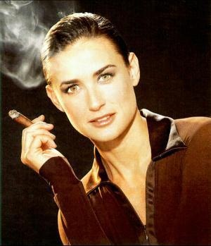 #Demi #Moore smoking #cigar #smoke #puff #nicotine #High #SUPERHIGH
