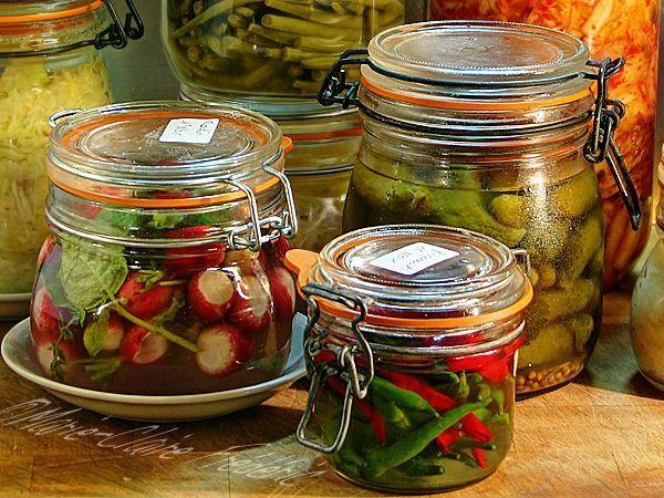 Les bocaux sont à la mode, profitons-en. On fait des pickles, alias légumes lacto-fermentés