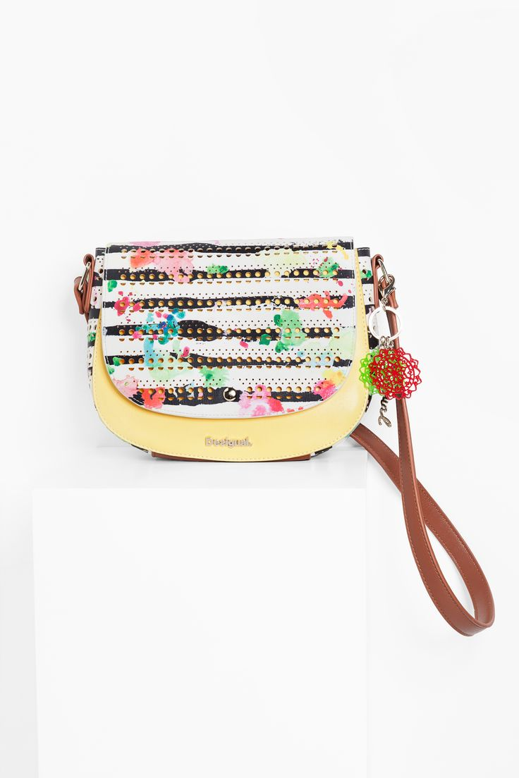 This striped bag, with its colorful and brown faux-leather details will add a splash of color to any outfit!