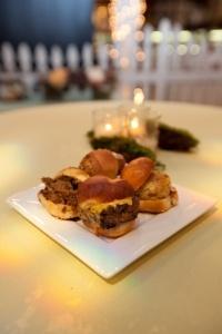 Delicious    Please like and repin!   Richmond barbecue  Visit http://richmondvabarbecue.com for great recipes!  #burgers #hamburgers
