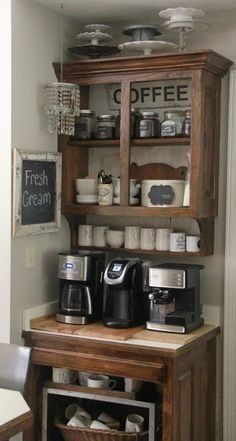DIY Coffee Bar Ideas – Stunning Farmhouse Style Beverage Stations for Small Spaces and Tiny Kitchens elselem? - Style Of Coffee Bar In Kitchen Coffee Area, Coffee Nook, Coffee Bar Home, Coffee Wine, Coffee Bar Station, Coffee Station Kitchen, Home Coffee Stations, Beverage Stations, Coffee Corner Kitchen