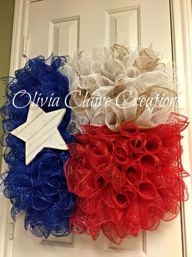 State Of Texas Curly Deco Mesh Flag Wreath With Wooden Star Red Mesh White Embellishments