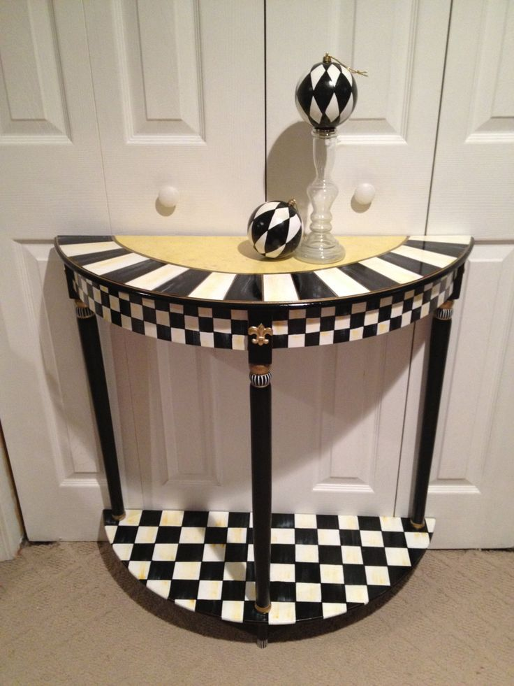 Hand Painted Black And White Checked Half Round Table   Green Gold    Buttercream Gold.