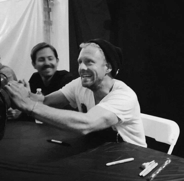 Yesterday at Creation Fest Jon held both of a fans hands to warm them up. I love this man so much. I mean, look at that face.