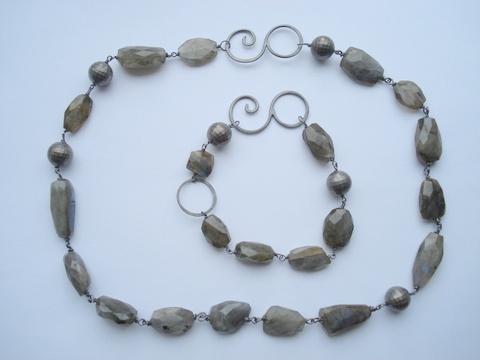 """labradordit &""""ballroom"""" perler armbånd og halskæde"""