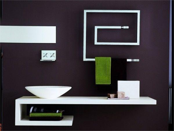 Bruna-Rapisarda-Snake-minimal-line-modern-bathroom-with-towel-heater-600x450.jpeg
