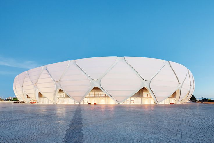 The Arena de Amazonia in Manaus, Brasil, with a membrane surface made of glass/PTFE. Photo © CENO Tec
