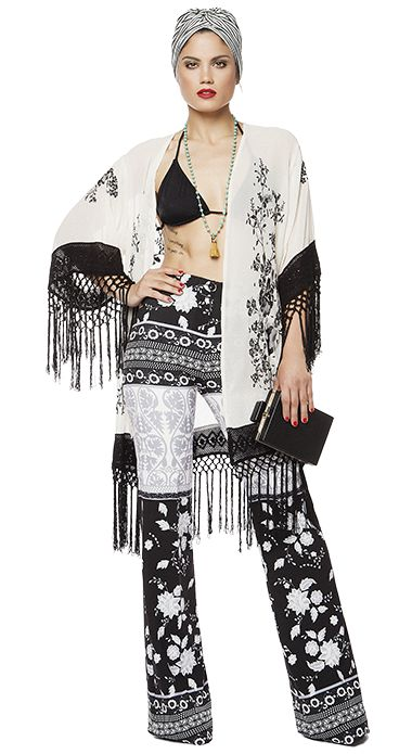 Black n White looks much more trendy in its boho version. Turn the classic B&W style into a rebellious look just by trusting your fashion instinct. Kimonos, fringes, eccentric mix of patterns and printed bell bottomed trousers must become your new fashion addiction for the summer.