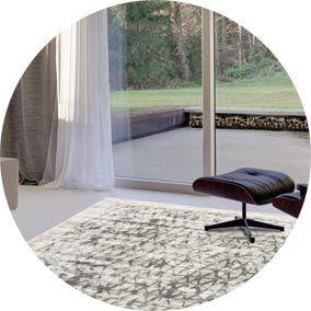 Les conseils de l'équipe Inspiration Luxe pour choisir la taille de son tapis. #tapis #déco #décoration #tailletapis #tailledemontapis #choisirtaille #design #décodesign #tapisdesign