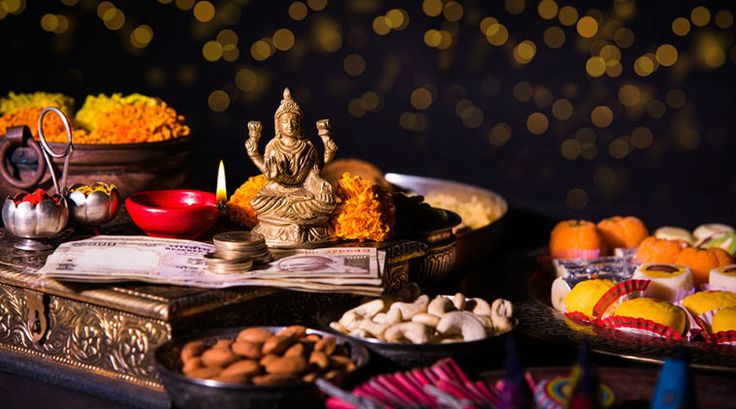 Dhanteras Puja Vidhi : On this auspicious day, people should perfrom Ganesha and Lakshmi Puja and creating rangoli patterns in their house and offices