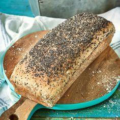 Ett enkelt, glutenfritt rostbröd som toppas med chiafrön.