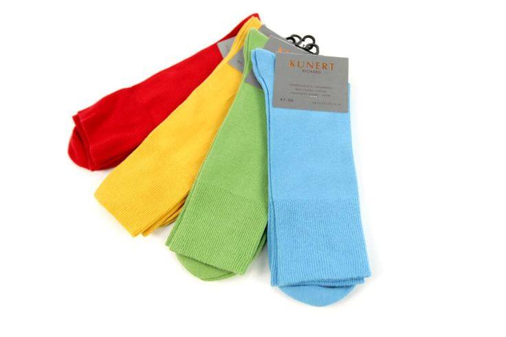Skarpetki Kunert. Dostępne w wielu opcjach kolorystycznych. Skład: 100% bawełna.