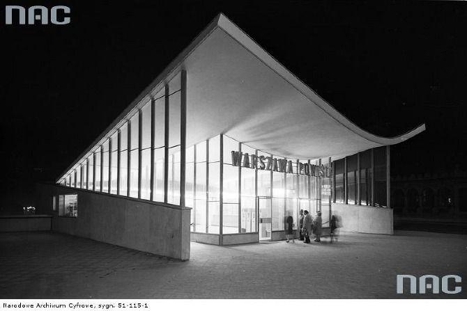 Wejście na dworzec Warszawa-Powiśle (lata 60.)