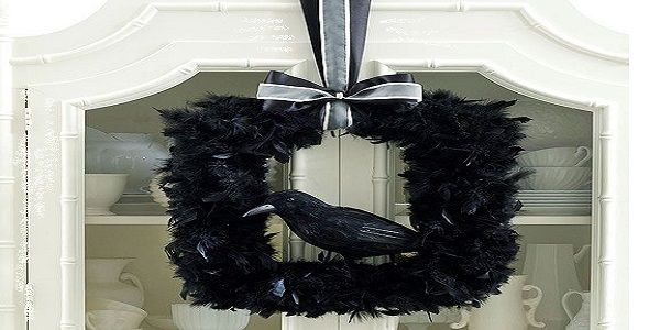 Spooky Halloween Wreaths with Black Raven Wreath