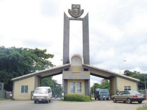 Unbelievable!! See Photos Of An Overcrowded Examination Hall In OAU You Wont Believe it