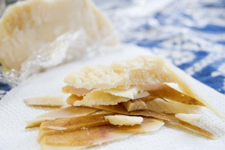 Vanaf nu gooi jij nooit meer de korst van Parmezaanse kaas weg