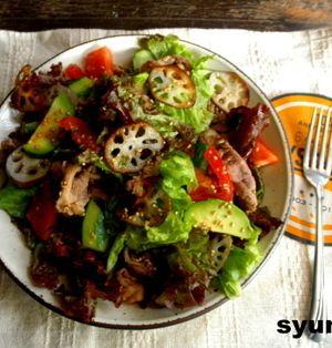 【簡単!!カフェサラダ】豚肉とアボカドのれんこんのおかずサラダ
