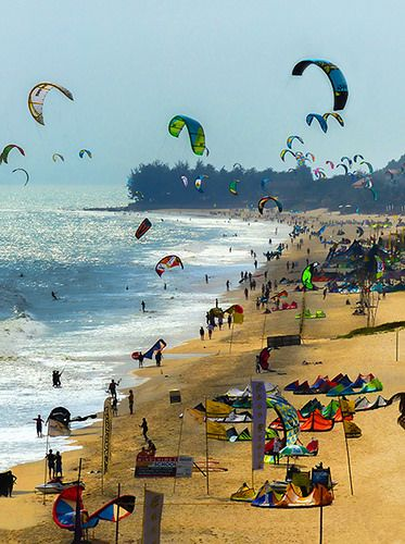 Kite Surfing . Vietnam by ados cool | www.adoscool.com