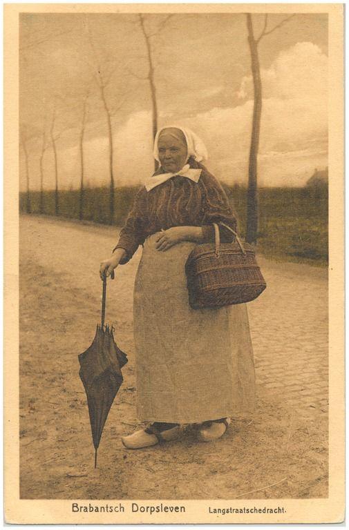 Boerin in klederdracht... 1900-1920 #Brabant
