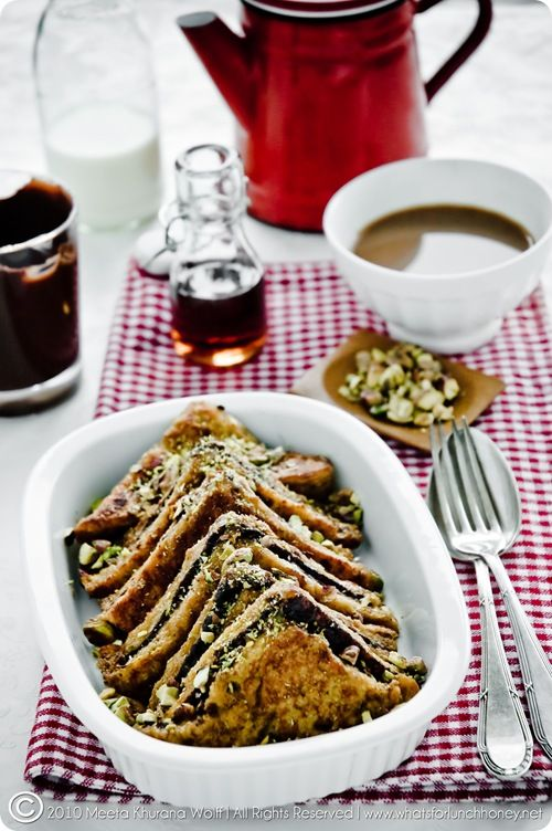 Chocolate pistachio french toast. Sounds so wrong, tastes so right.: Chocolate Pistachios French, Pistachios Slices, French Toast, Recipes, Warm Maple, Hot Chocolates, Chocolates Pistachios French, Maple Syrup, Frenchtoast